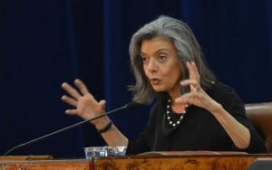 """""""Calam-se juízes, mas não, a Justiça"""", diz Cármen Lúcia sobre proposta da Câmara"""
