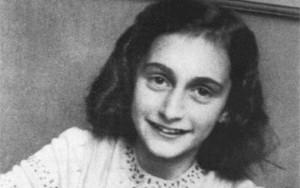Esconderijo de Anne Frank pode ter sido descoberto por acaso, diz estudo
