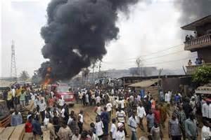 Força Aérea da Nigéria bombardeia campo de refugiados e mata mais de 50 pessoas