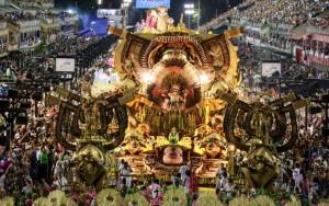 Desfiles no Rio: 2ª noite tem Mangueira buscando e bi e promessa de muito luxo