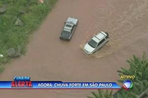 Chuva forte deixa toda capital paulista em estado de atenção para alagamentos