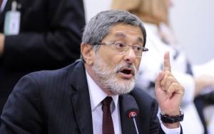 Ex-presidente da Petrobras diz que indicação para cargos na estatal é tradição