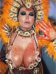 Sabrina Boing Boing aparece ensanguentada após desfile do Tatuapé