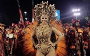 Rainha das rainhas: Viviane Araújo comemora dez anos de Salgueiro