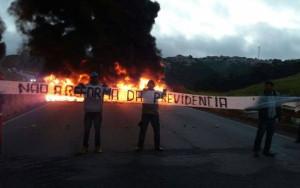 Movimentos sociais e sindicais fazem manifestações contra reforma da Previdência
