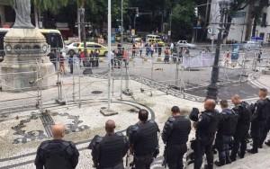 Manifestantes entram em confronto com Polícia Militar no Rio de Janeiro