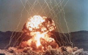 EUA usam maior bomba não-nuclear da história contra o Afeganistão