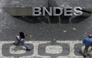 """TCU faz pente-fino em financiamentos do BNDES e vê """"critérios falhos"""""""